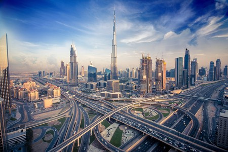 Dubai skyline with beautiful city close to it's busiest highway on traffic | © shutterlk / Shutterstock