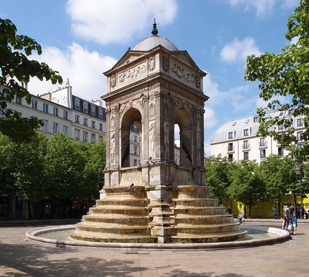 "<a href = ""https://commons.wikimedia.org/wiki/File:Fontaine_des_Innocents,_Paris_5_May_2013.jpg""> Fontaine des Innocents, Paris 