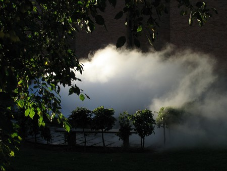 View of Fujiko Nakaya, fog sculpture #28634 at Norrköpings Konstmuseum, 2004 | Courtesy the artist and Ekebergparken
