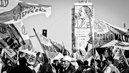 Eva Perón presiding over the streets of Buenos Aires | © Hernán Piñera/Flickr