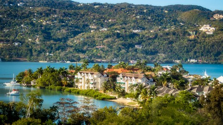 Panoramic view of Montego Bay, Jamaica on a stunning spring day | © Dean Fikar / Shutterstock