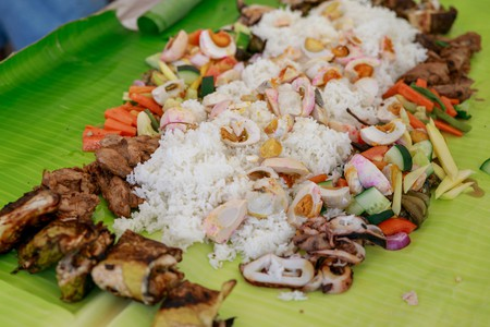 Filipino Boodle Fight  © ARTRAN / Shutterstock