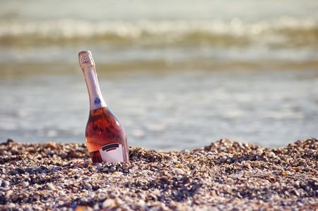 Beach drinking | © freestockpro.com / Pexels