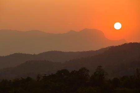 The sun sets on Thailand | © Atibordee Kongprepan/Flickr
