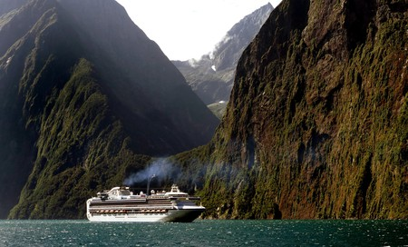 Milford Sound Cruise   © Bernard Spragg/Flickr