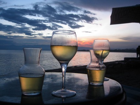 Wine at sunset | © Rachel Strohm/Flickr