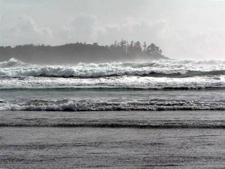 Tofino's stormy waves | © David Stanley / Flickr
