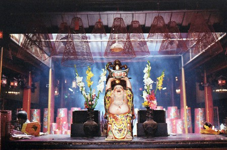 Temple at Jakarta Chinatown   © Seika/Flickr