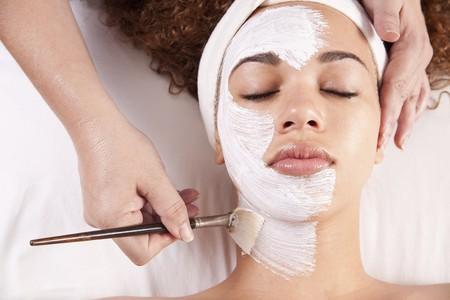 Facial treatment   © Zenspa1 / Flickr