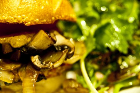 Get your mouth round a burger in Buenos Aires | © Ken Hawkins / Flickr