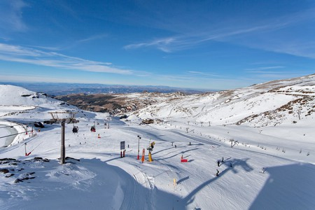 The Sierra Nevada Ski Resort|© Irina Sen/Shutterstock