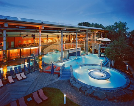 Outdoor spa area, Claudius Therme | Courtesy of Claudius Therme, Köln