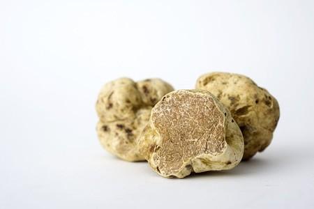 White truffles (not from Thailand) | © Mortazavifar / Wikimedia
