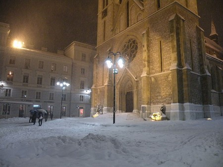 Sarajevo Cathedral Winter |© Smooth_O/WikoCommons