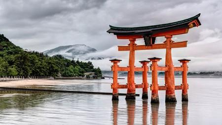 The floating torii of Itsukushima Shrine | © Joe deSousa / Flickr