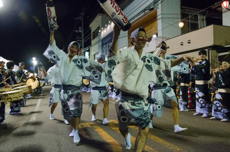 Dancers take to the streets of Tokushima | © cotaro70s/Flickr