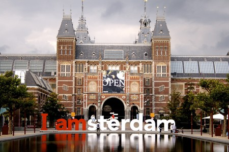 The I amsterdam letters outside the Rijksmuseum in Amsterdam | © Howard Lewis Ship / WikiCommons