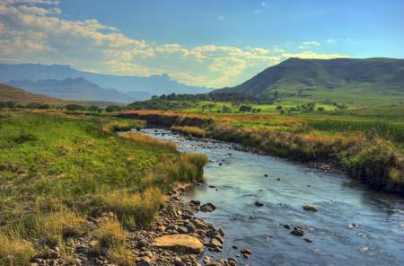 The Drakensberg mountains around Sani Pass | © Steve Slater /Flickr