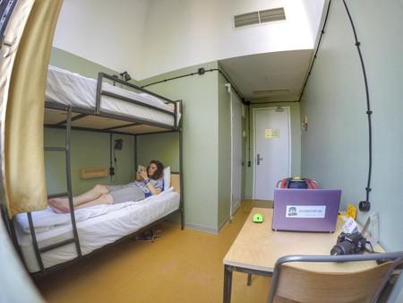 Bunk bed private at Fabrika Hostel & Suites |© Baia Dzagnidze
