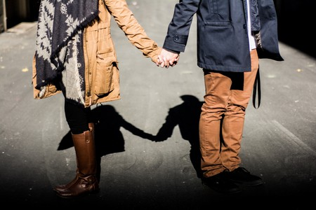 Couple holding hands   © Redd Angelo / Unsplash