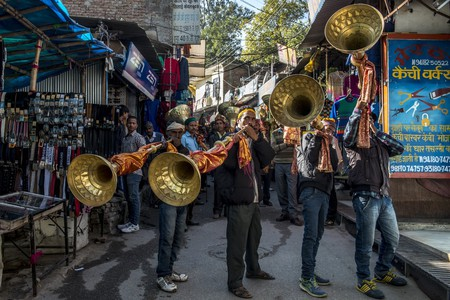 Musicians blowing large trumpets during the annual Dusshera festival at Kullu | © Panoglobe / Shutterstock