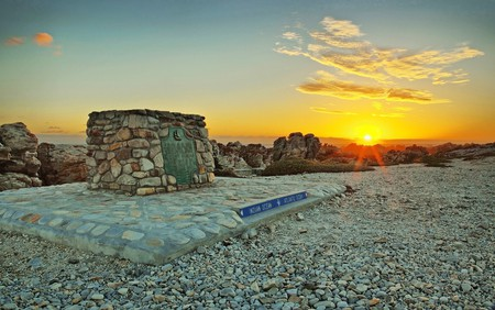 Southernmost tip of Africa   Vincentvanoosten/Pixabay