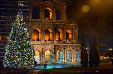 The Colosseum at Christmas | © George Rex/Flickr