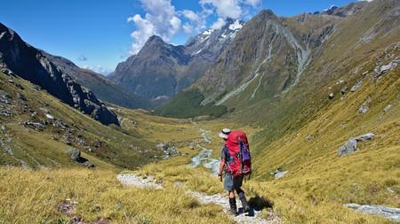 Walking down to Rock Burn Valley, Mount Aspiring National Park, New Zealand   © Thomas Sobek/Flickr