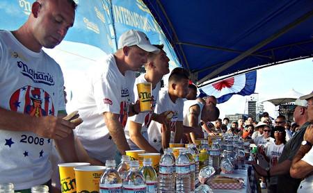Nathan's Hot Dog Eating Contest | Ashley/Flickr