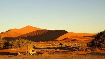 Red dunes of Sossusvlei | © Heribert Bechen/Flickr