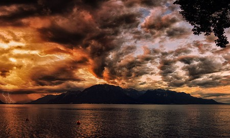 A thunderstorm over Lake Geneva | © PiConsti / Flickr