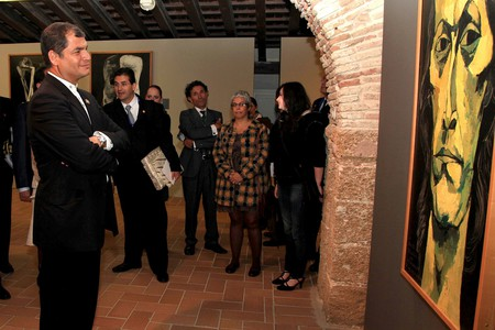 Rafael Correa, President of Ecuador, visits an exhibition in Cádiz's Santa Catalina castle in 2012; Cancillería del Ecuador/flickr