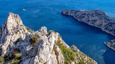 The Calanques are one of France's natural wonders | djedj/Pixabay