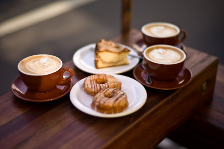 Coffee and pastries | © Max Braun / Flickr
