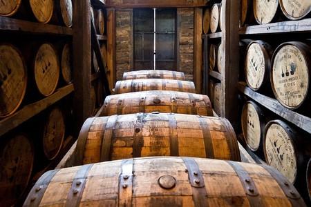 Distillery Barrels / (c) Pixabay