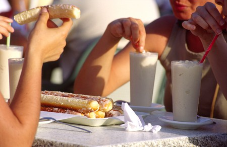 Drinking horchata in Valencia | Courtesy of Valencia Tourism