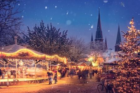Festive Joy in the Snow | © Dar1930/Pixabay