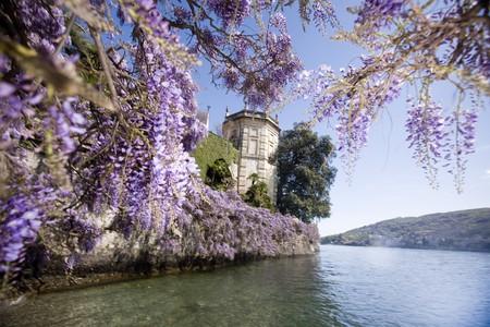Lakeside view of Palazzo Borromeo on Isola Bella, Piedmont
