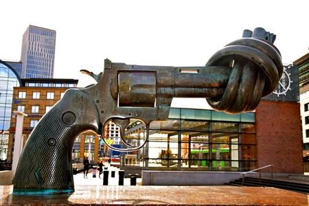 Non-Violence statue | © Maria Eklind / Flickr