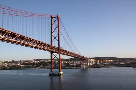 Ponte 25 de Abril   © violetta / Pixabay