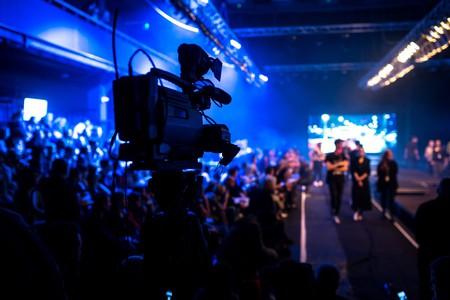 Fashion Show Broadcast | © Shutterstock