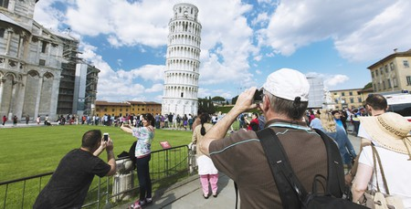 Tourists at Pisa, Italy | ©Electric Egg/Shutterstock