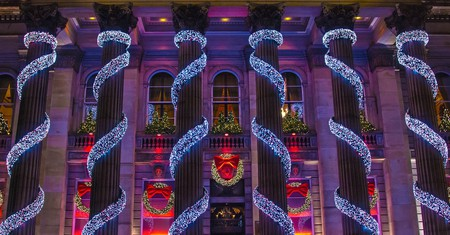Edinburgh Christmas Market   © Graham Campbell / Flickr