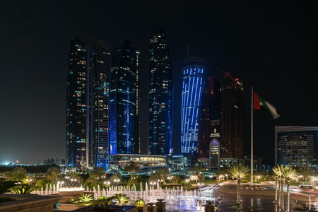 The iconic skyline of Abu Dhabi   ©Gilles Messian / Flickr