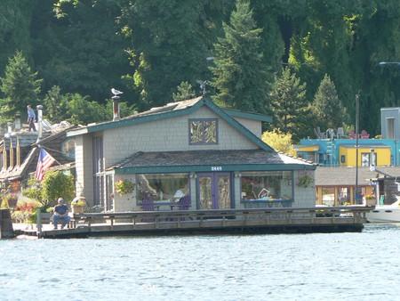 Sleepless in Seattle Boat House | © eng1ne / Flickr
