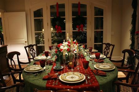Christmas Dinner Setting|©Austin Kelmore/Flickr