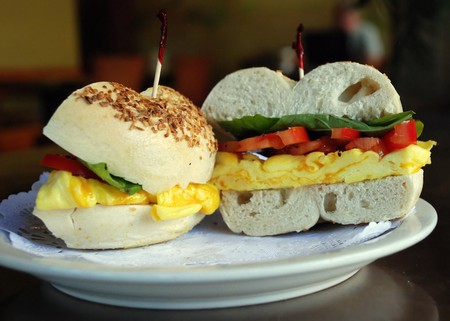 Breakfast Bagel|©Lara604/Flickr