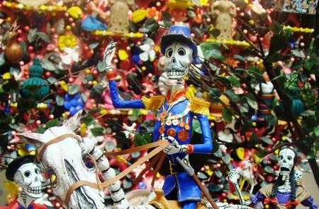 Mexican skeleton figurine | © Bomba Rosa / Flickr