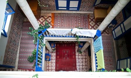 Looking down in a Moroccan hostel   © Alper Çuğun / Flickr
