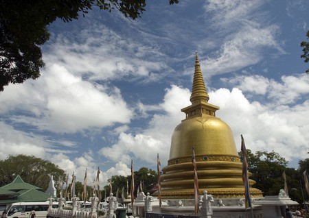 Golden Temple at Dambulla | © Mal B / Flickr